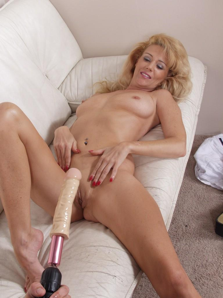Hairy lindsay plays with her wet pussy hairs on floor 6
